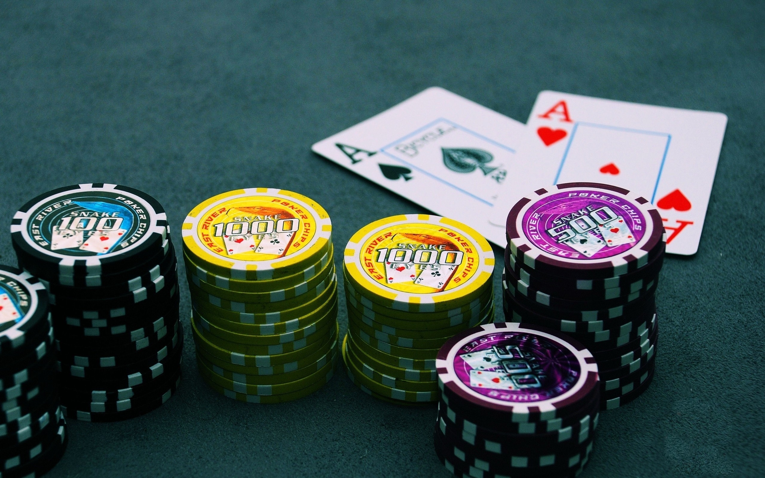 What are some of the health benefits of playing casino games?